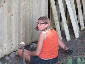 Hanymama bygger plankeværk